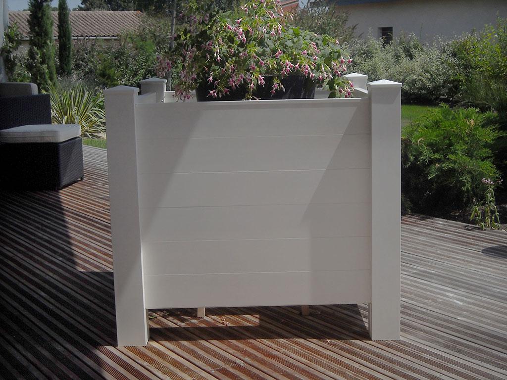 Fabrication sur mesure de bacs fleurs et jardini res en for Jardiniere exterieure en aluminium