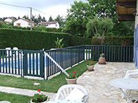 Barrière et portillon de piscine