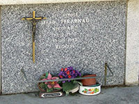 Croix pour stèle réf. 258 avec Christ Bronze