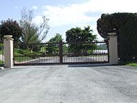 Grand portail alu de 6m de longueur